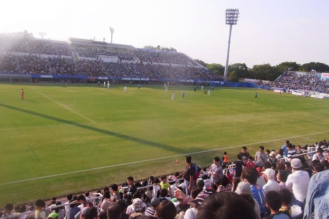 横浜FC対ガイナーレ鳥取 三ツ沢にて