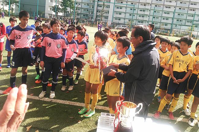 ①表彰式。この結果、豊島区代表として来年2月に行われる東武鉄道杯の出場が決まった。