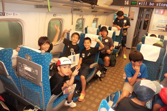 ① 新幹線と在来線で約4時間半かけて、三重県伊賀上野へ移動