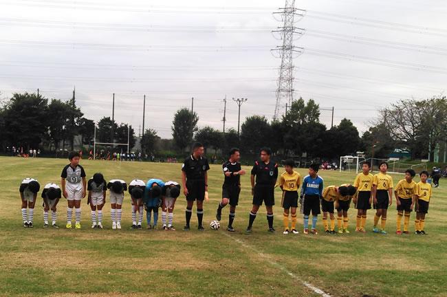 ①決勝戦の試合前の挨拶 対上池FC