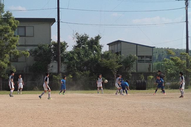 予選リーグ最終戦は地元の上野選抜BLUE 一進一退の攻防は0-0の引き分けに終わった