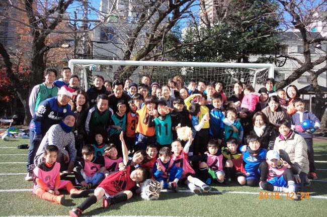 今年も子どもたち、保護者の方々、スタッフとみんな楽しくサッカーしました!!